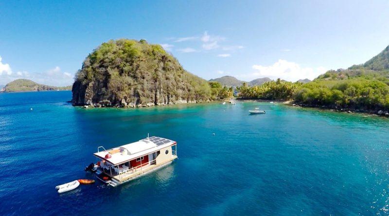 Péniche aqua lodge Guadeloupe - bateau solaire antilles francaises