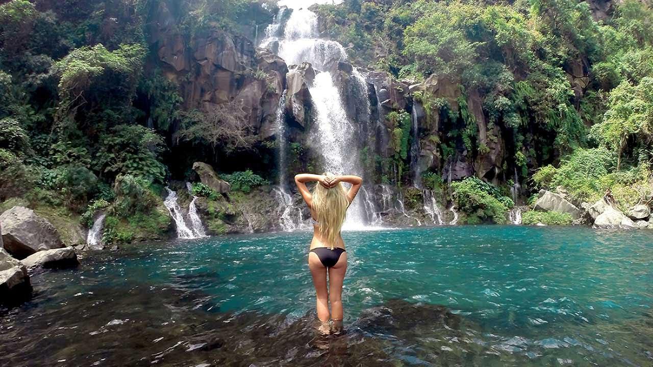 Cascade île de la Réunion, paysage tropicale dans l'Océan indien