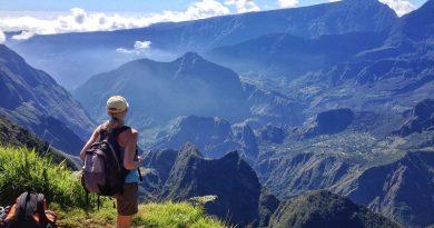 Randonnée à la Réunion. Les endroits pour activités touristiques canyoning, visites des cirques