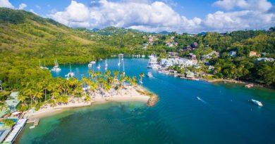 Marigo Bay à Sainte Lucie : iles des petites Antilles aux Caraïbes en mer des Caraïbes.