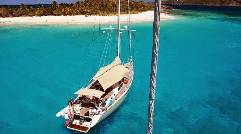 Location bateau Guadeloupe: bons plans location catamaran, voilier pour des excursions aux Caraibes