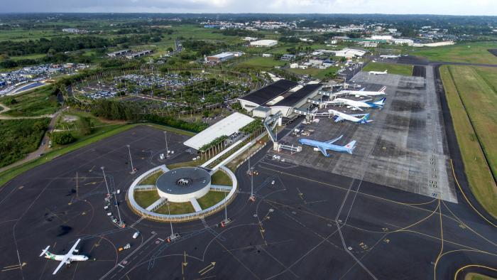 Aéroport Pointe-a-Pitre , Pôle Caraïbes en Guadeloupe, Antilles francaises