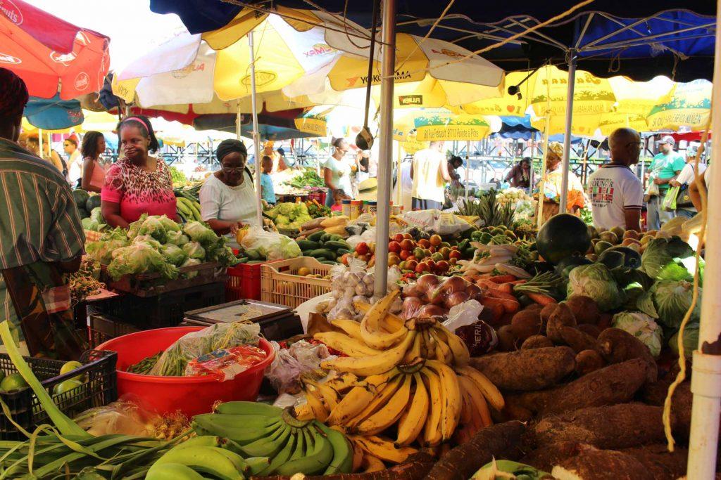 Marché ouvert de Pointe-a-Pitre en Guadeloupe, proche du port de Pointe-a-Pitre.