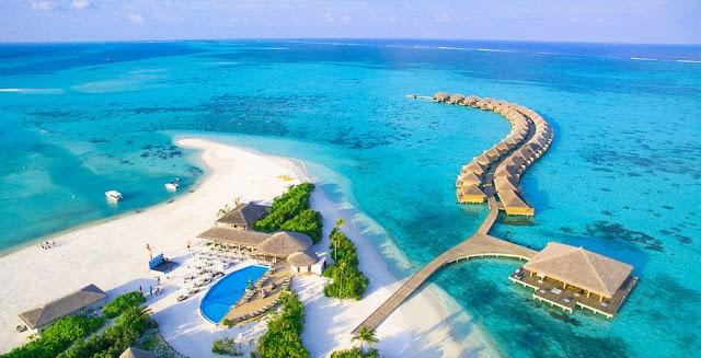 Hôtel Cocoon aux Maldives : vue aérienne . Etablissement pour une vente flash aux Maldives avec séjour tout inclus.