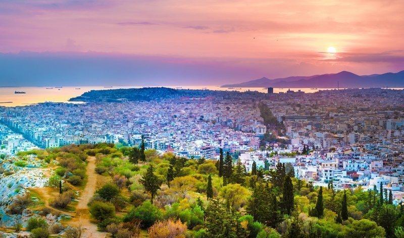 Attique , l'une des région où aller en Grèce . Formidable vue aérienne de la région.