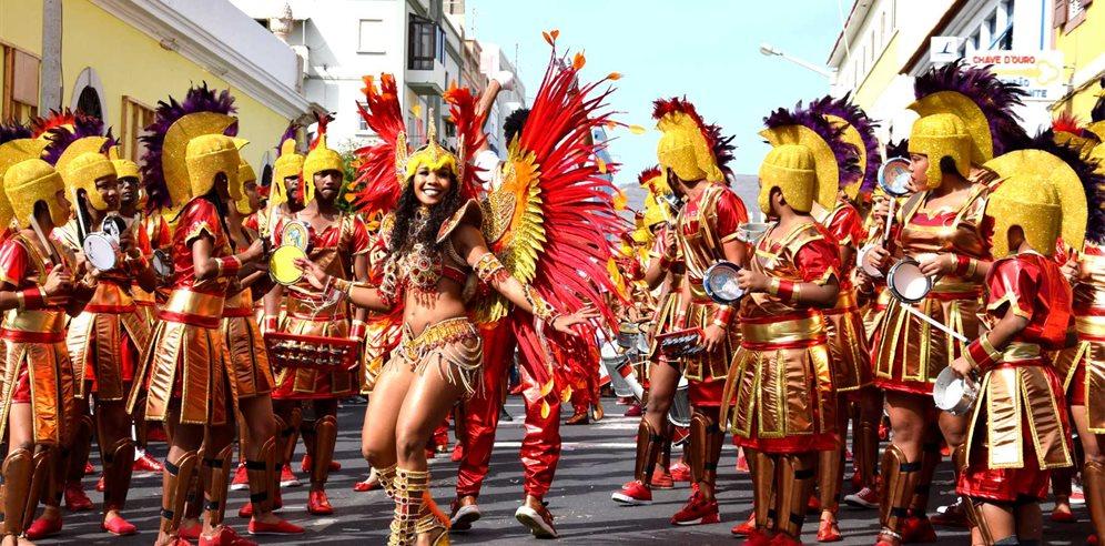 Carnaval du Cap Vert à Sao Vicente . Partir en Février au Cap vert pour assister au Carnaval .