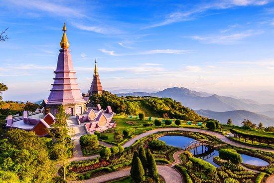 Montagne de Doi Inthanon : paysage de thailande .