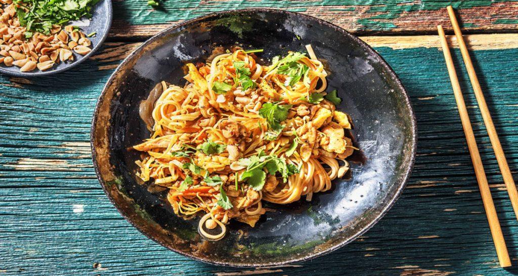 Gastronomie thaïlandaise : pat tai , les nouilles sautées .