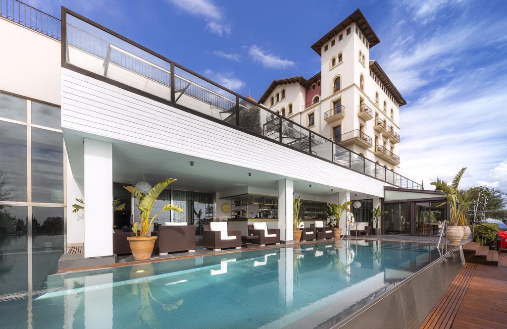 Vente privée : séjour à Barcelone pas cher , voyage en demi pension à l'hôtel Gran Hotel la Florida .