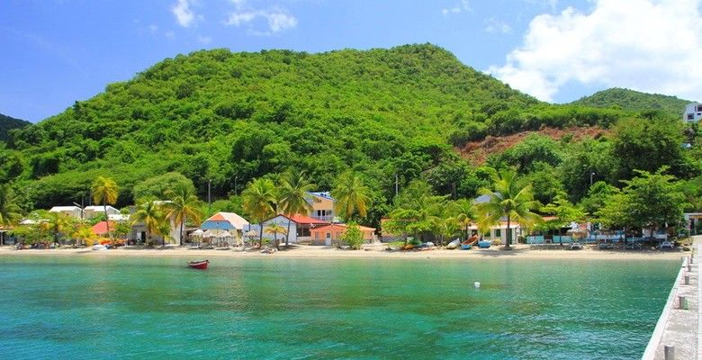 Séjour pas cher en Martinique en demi pension avec la location de voiture . Bon plan pour un voyage en Martinique .