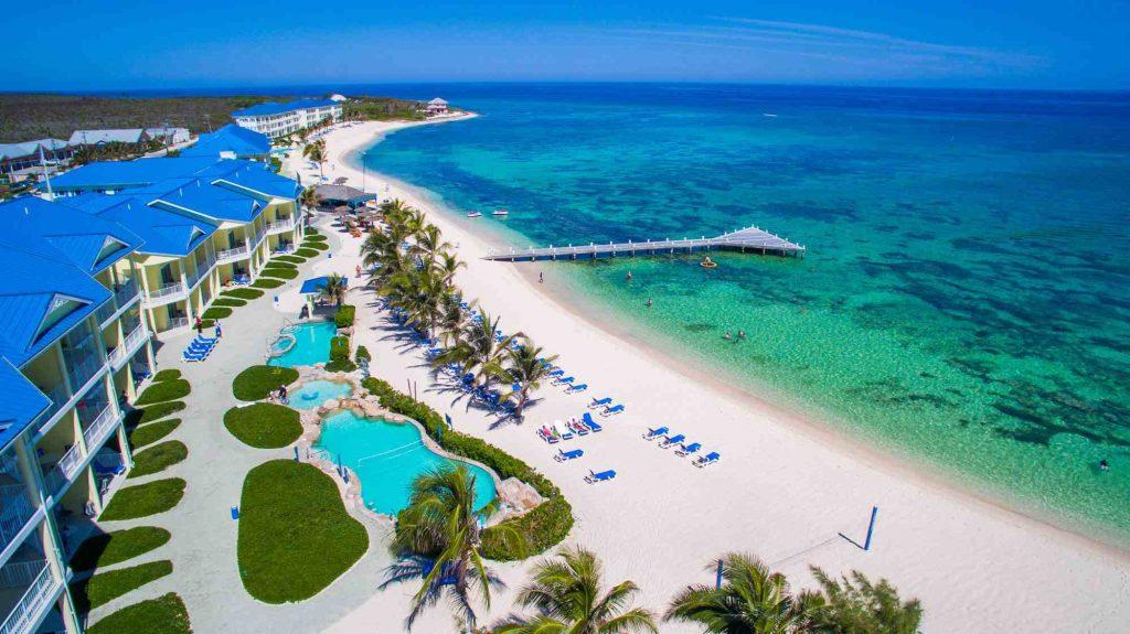 Belle plage de l'île de Grand Caiman : lieu à visiter .