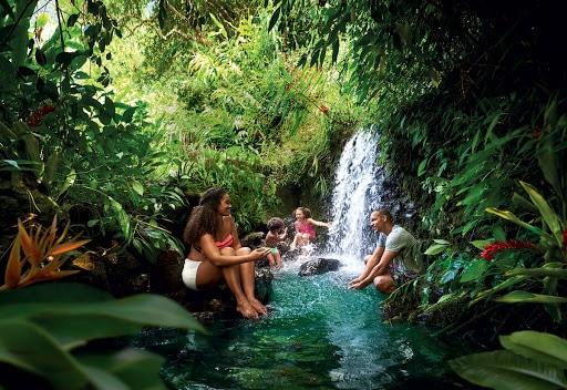 Sortie à la rivière à la Réunion  :baignade, pic nic , barbecue