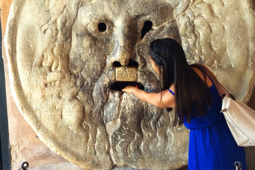 Chose à faire lors de son voyage en Italie : voir la sculpture Bocca de la vérita