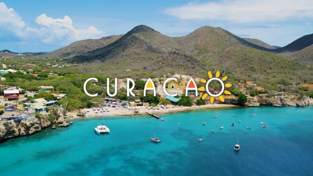 paysage de Curacao une des iles ABC à visiter aux Caraibes