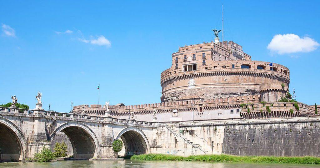 Ce qu'il faut voir à Rome : le pont de Sainte Ange et son chateau