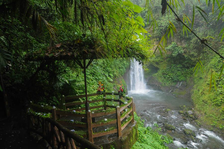 Cascade de la paz : tourisme à Costa Rica