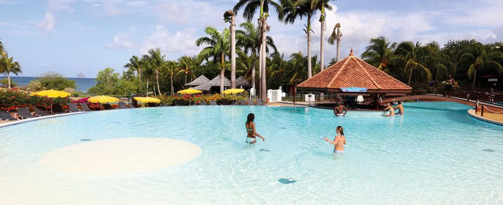 Espace aquatique Pierre et Vacances Martinique à sainte Luce : grande piscine
