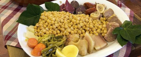 Ce qu'il faut faire aux Canaries : déguster un plat de cocido