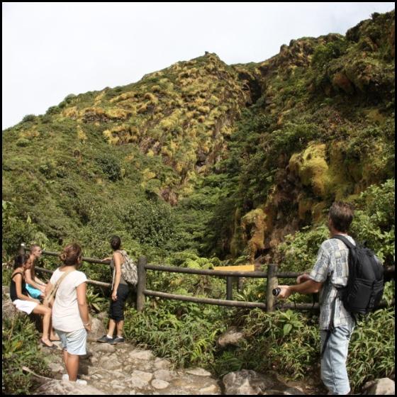 Faire de la randonnée au volcan de la Soufrière