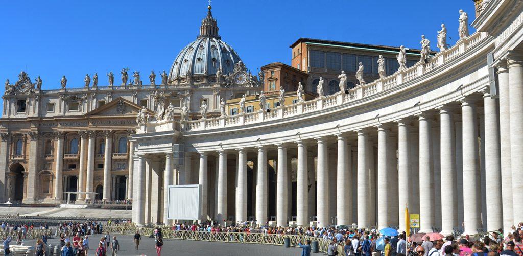 basilique de Saint Pierre lieu touristique à Rome