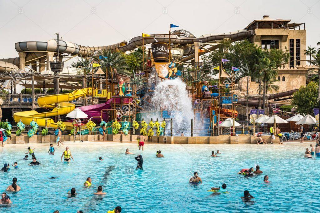 Grande piscine du parc aquatique wild Wadi Water à Dubai