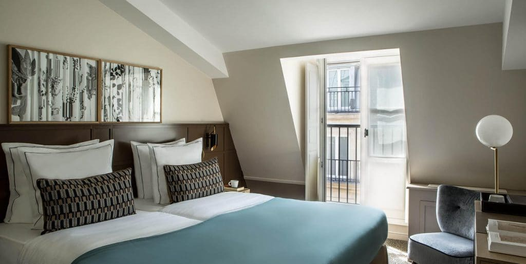 hôtel La Tamise pas cher . L'un des hôtels les plus agréables de Paris .