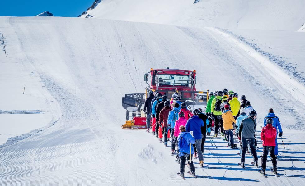 Formigal  : montagne enneigé en hiver