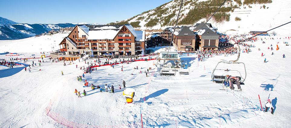 Peyragudes : domaine skiable aux Pyrénées ;