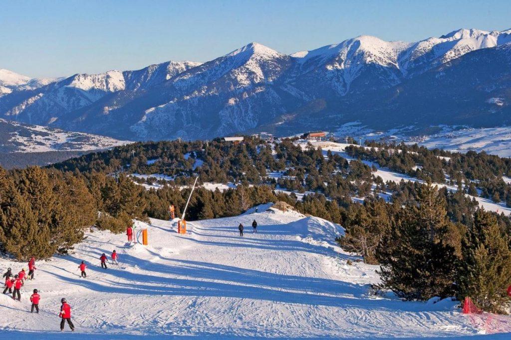 Font Romeu : piste de ski verte aux Pyréneée