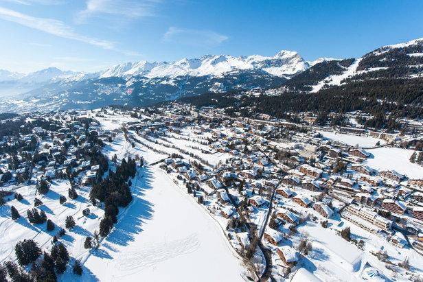 Crans Montana ; vue aérienne de la commune