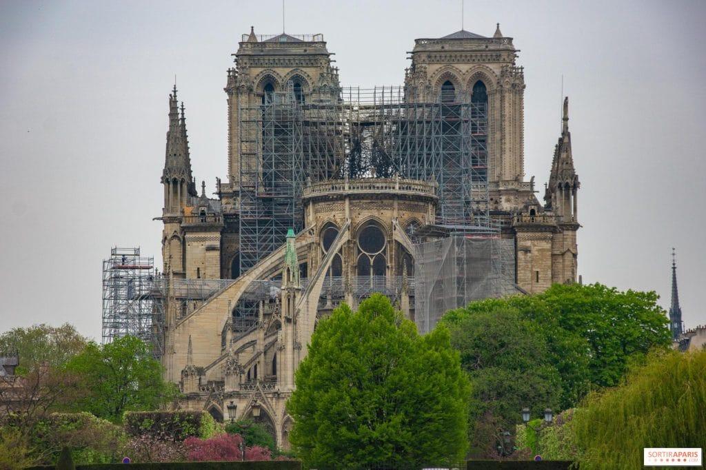 Aller à Notre Dame de Paris visiter le formidable vestige parisien
