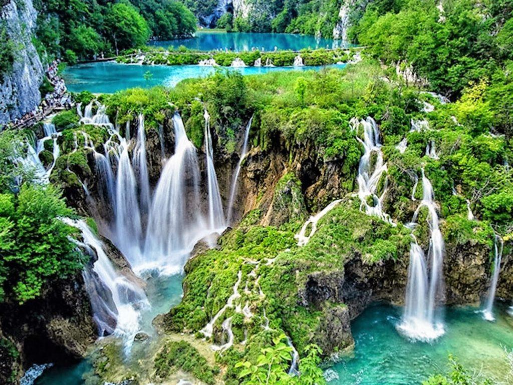 Lacs du parc national de Plitvice : lieu incontournable à voir en Croatie