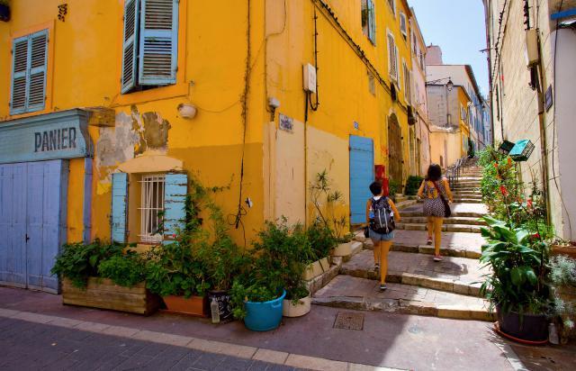 Faire une excursion au quartier du panier à Marseille