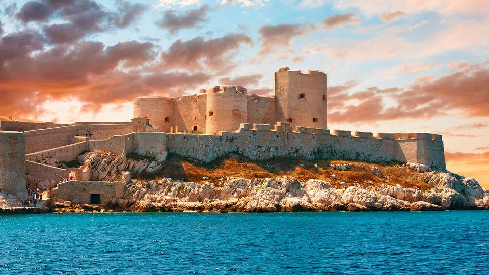 Aller au Chateau d'If : ce qu'il faut faire à Marseille