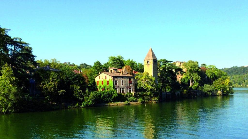 Visiter l'île Barbe à Lyon