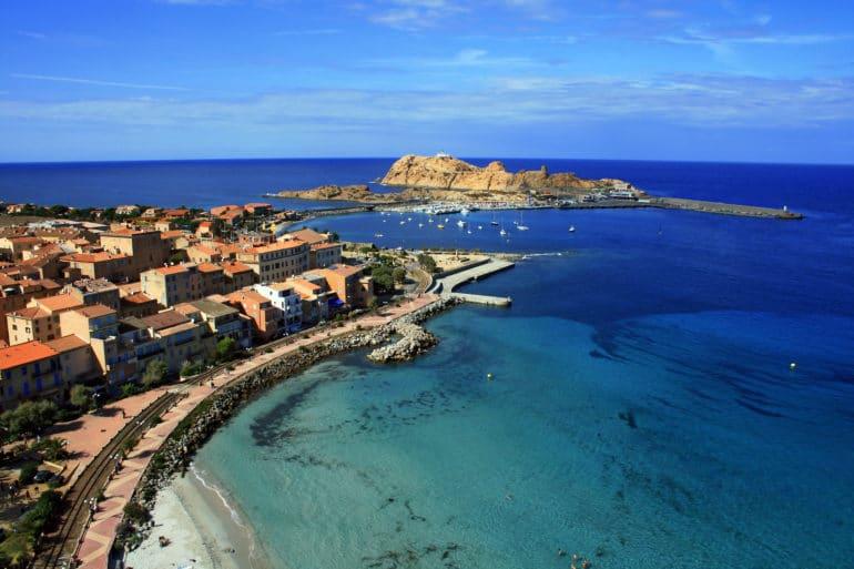 Visiter l'île Rousse en Corse
