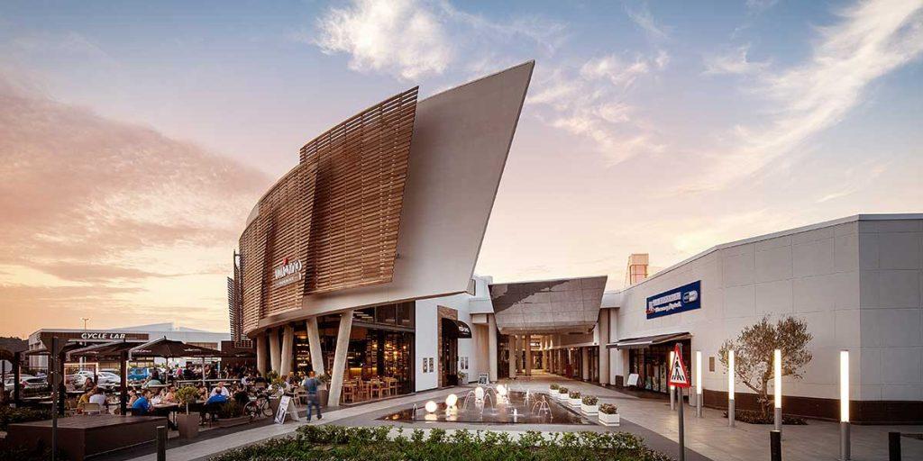 Faire du shopping au centre commercial Lynnridge à Pretoria, en Afrique du sud .