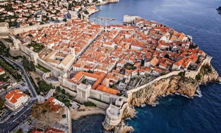 mur de Dubrovnik : les remparts, lieu incontourbale à visiter en Croatie