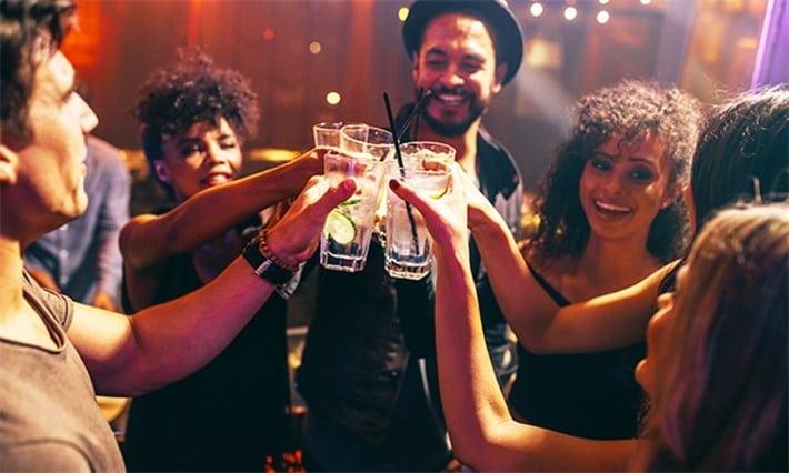 boite de nuit à Cap Town : s'amuser en Afrique du sud et faire la fête .