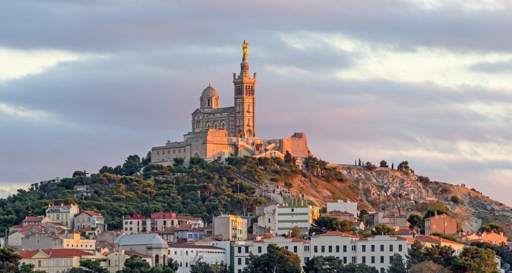 Admirer notre Dame de la Garde à Marseille