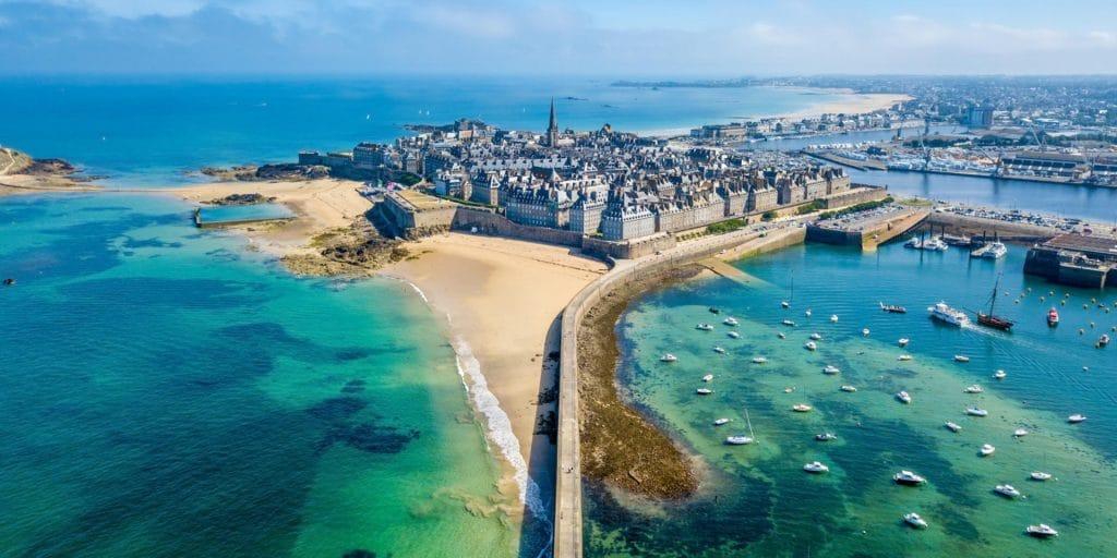 Saint Malo ville portuaire en Bretagne