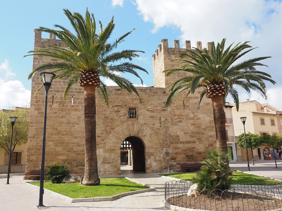Porta del Moll : Forteresse Alcudia , porte d'entrée de la ville