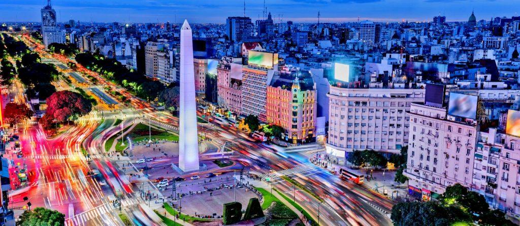 Buenos Aires : obélisque à la place de mai