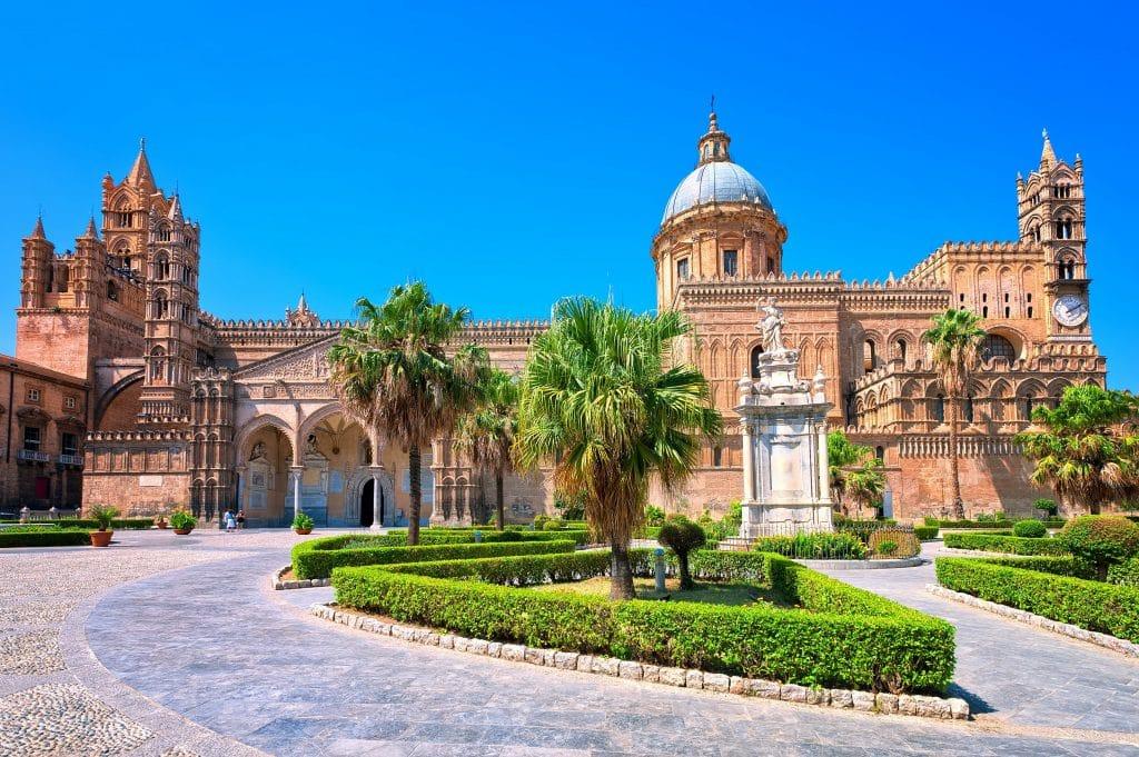 Cathédrale de Palerme à voir en avril .