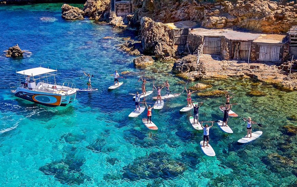 Faire du Surf à Pagaie à Ibiza en mai