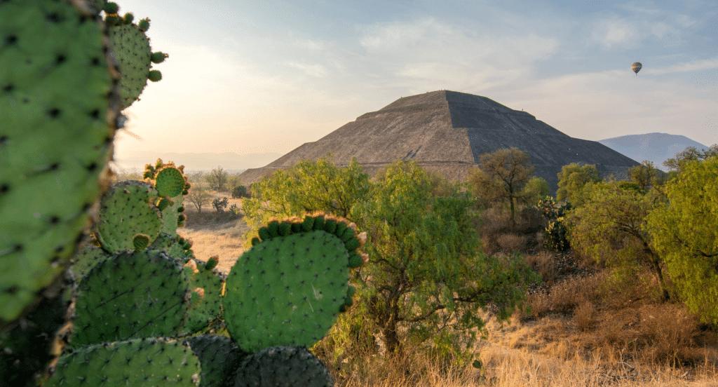 Temple aztèque au Mexique au mois de Février : période pour partir en vacances