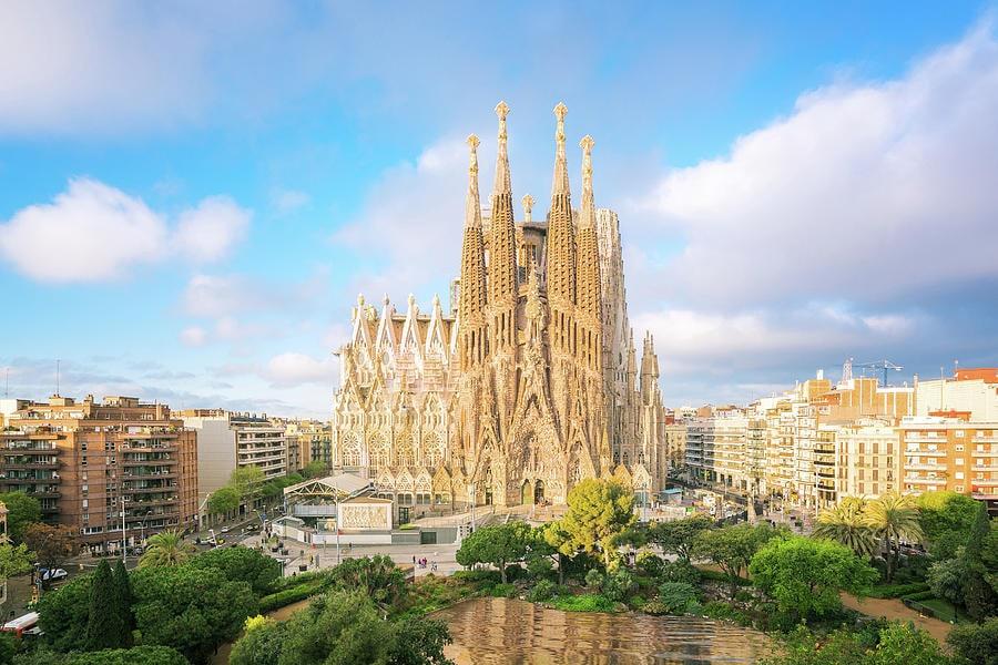 Sagrada Familia : Basilique, église , cathédrale de Barcelone