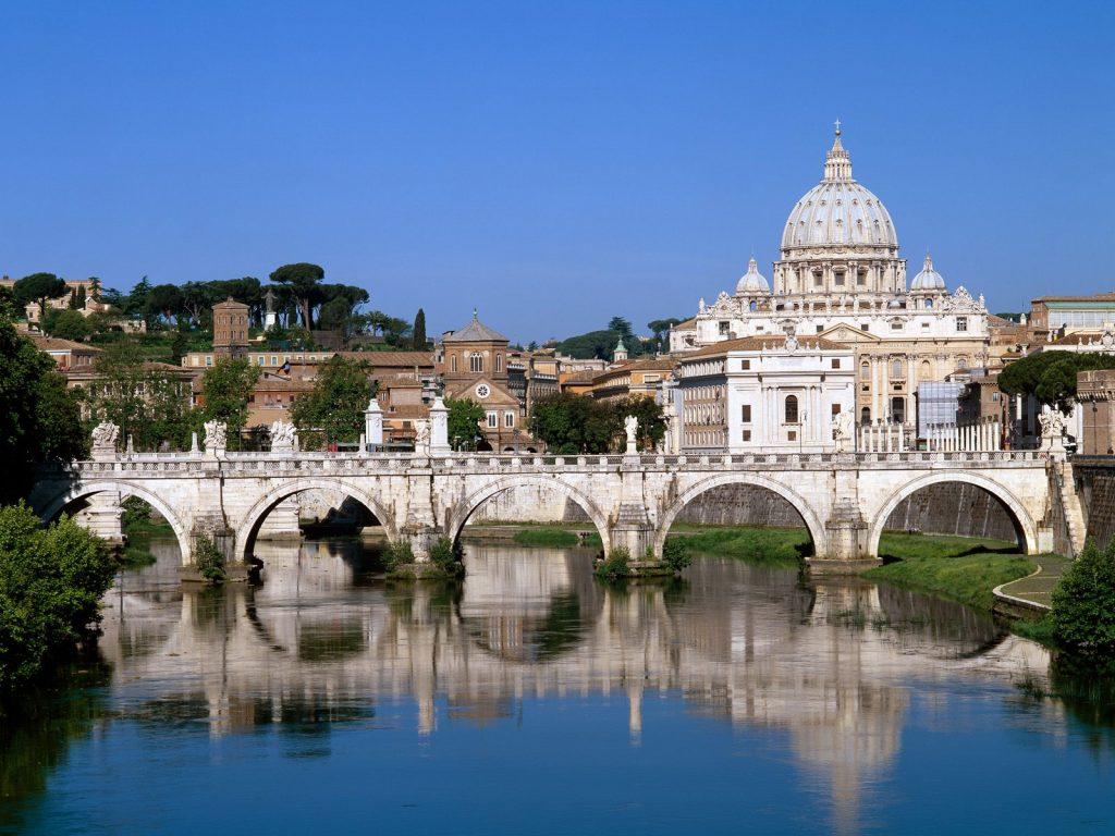 Partir en avril pour voir le Pont Saint Ange à Rome