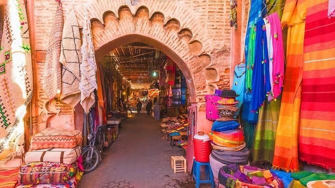 Souk de Marrakech au Maroc en Mai