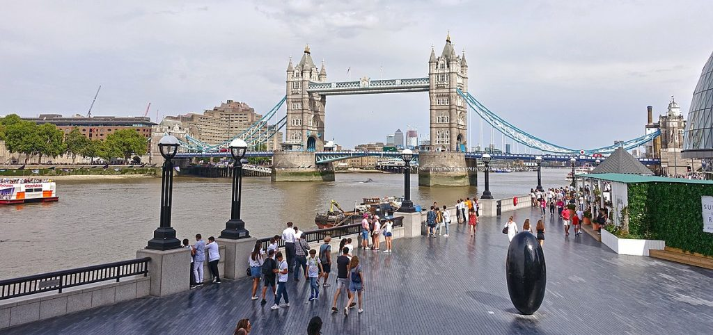 Tower Bridge Londres en Mai